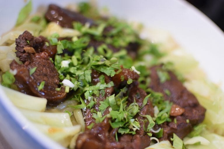 红烧牛肉面 - beef noodle