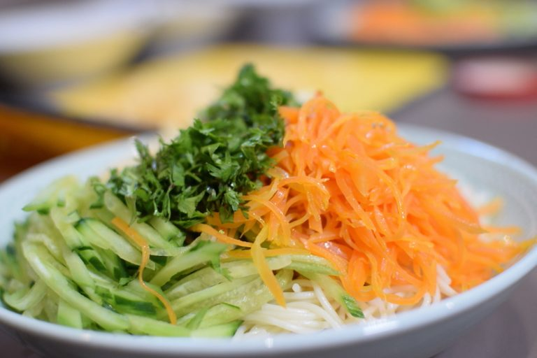 Easy Chinese Food recipe San Si Mian 三丝面