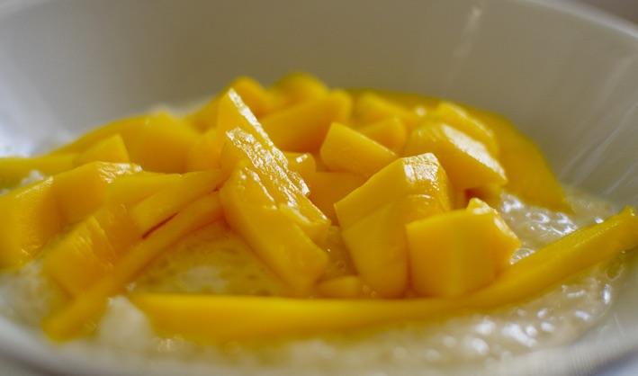 Thai Mango Sticky Rice Dessert